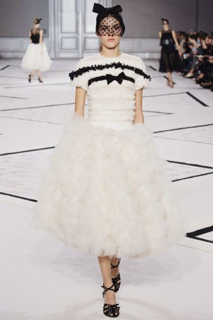 06Giambattista-Vallie-Couture-2015